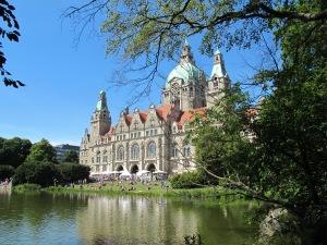 Vista de Hannover Rathaus.